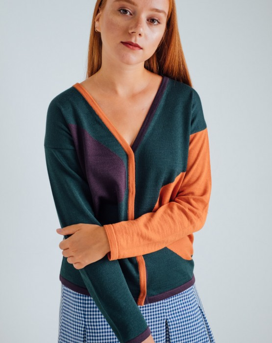 ORANGE SWEATER WITH BUTTONS