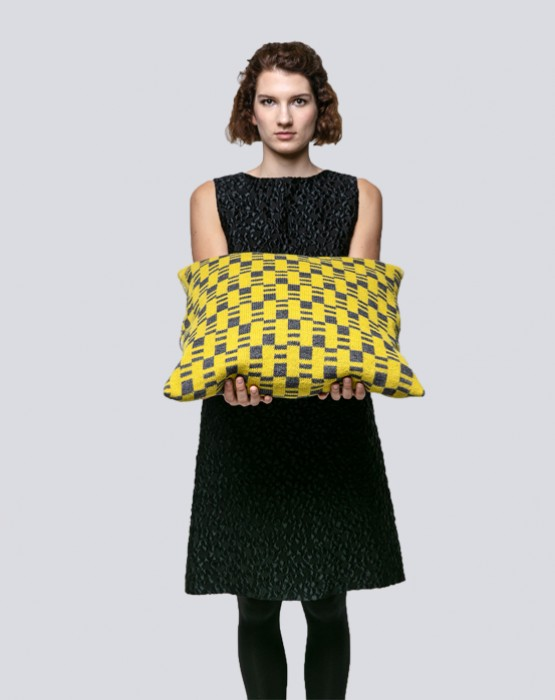 JACQUARD KNITTED CUSHION 3